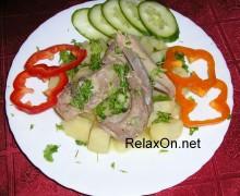 Тушеный картофель с ребрышками