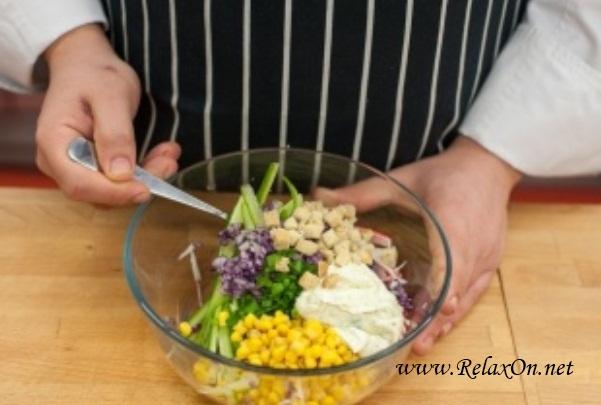 5-Салат из крабовых палочек с йогуртом пошагово