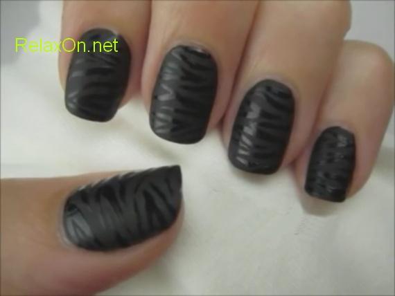 Дизайн ногтей в черном цвете