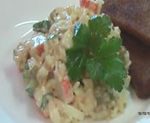 Салат из крабовых палочек с горошком
