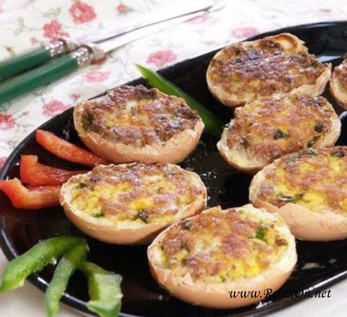 Яйца фаршированные в скорлупе