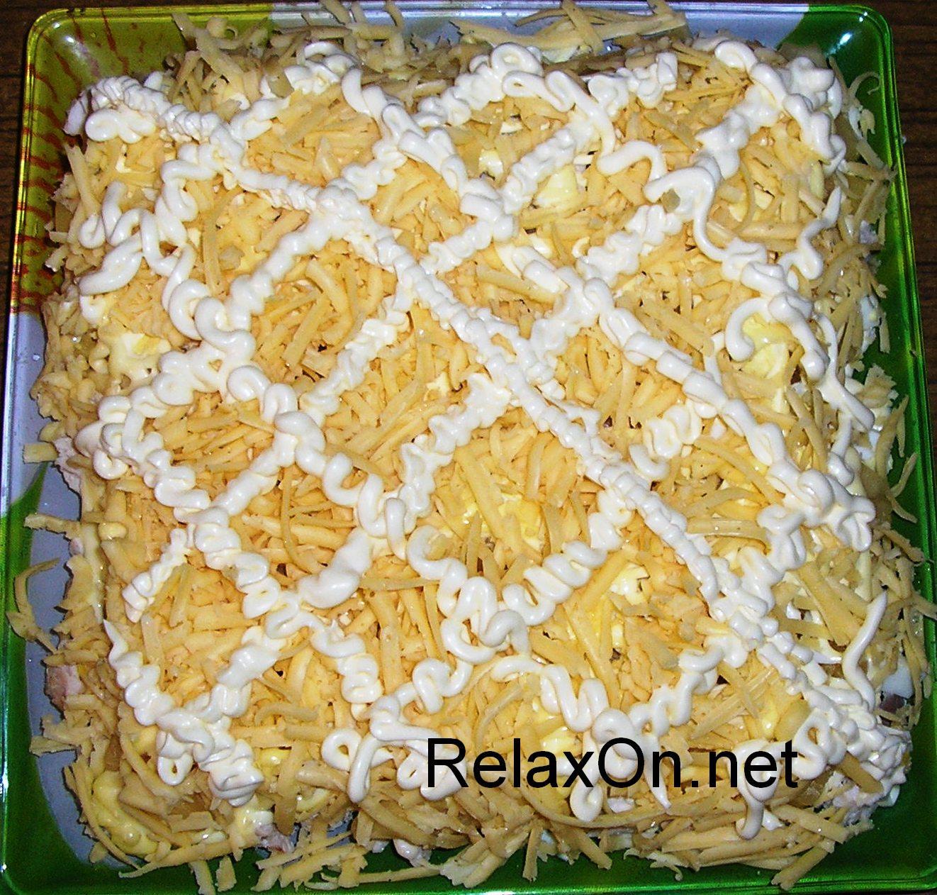 курица с ананасами салат слоями рецепт с фото